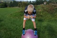 Marcel-Schöffmann-Gymnastikball-Hocke